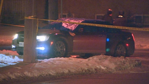 2 dead, 2 injured after shooting in Etobicoke