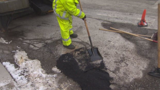 City of Toronto staff will be repairing the roads this weekend after rapid freezing and thawing created a surge in the number of potholes.