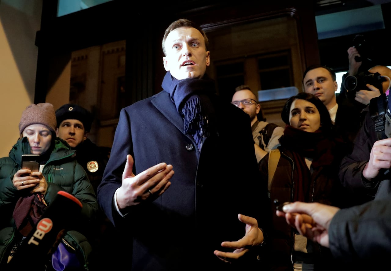 Young Russians Risk Futures To Support Alexei Navalny Vladimir Putin S Nemesis Cbc News