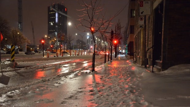 Powerful storm expected to bring freezing rain to Quebec