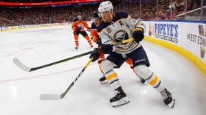 Eichel dominates showdown with McDavid as Sabres thrash Oilers