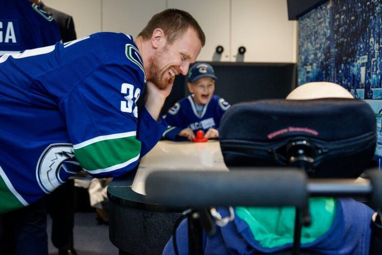 Vancouver Canucks bring smiles to B.C. Children's Hospital