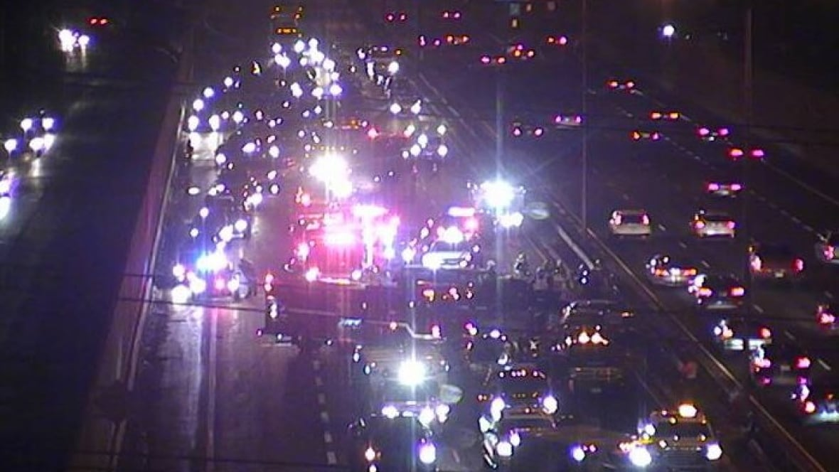 One woman dead, one critical after five-vehicle QEW crash