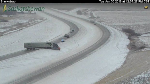 A semi-truck was seen blocking the northbound lane of traffic between Kenaston and Dundurn in this highway cam shot.