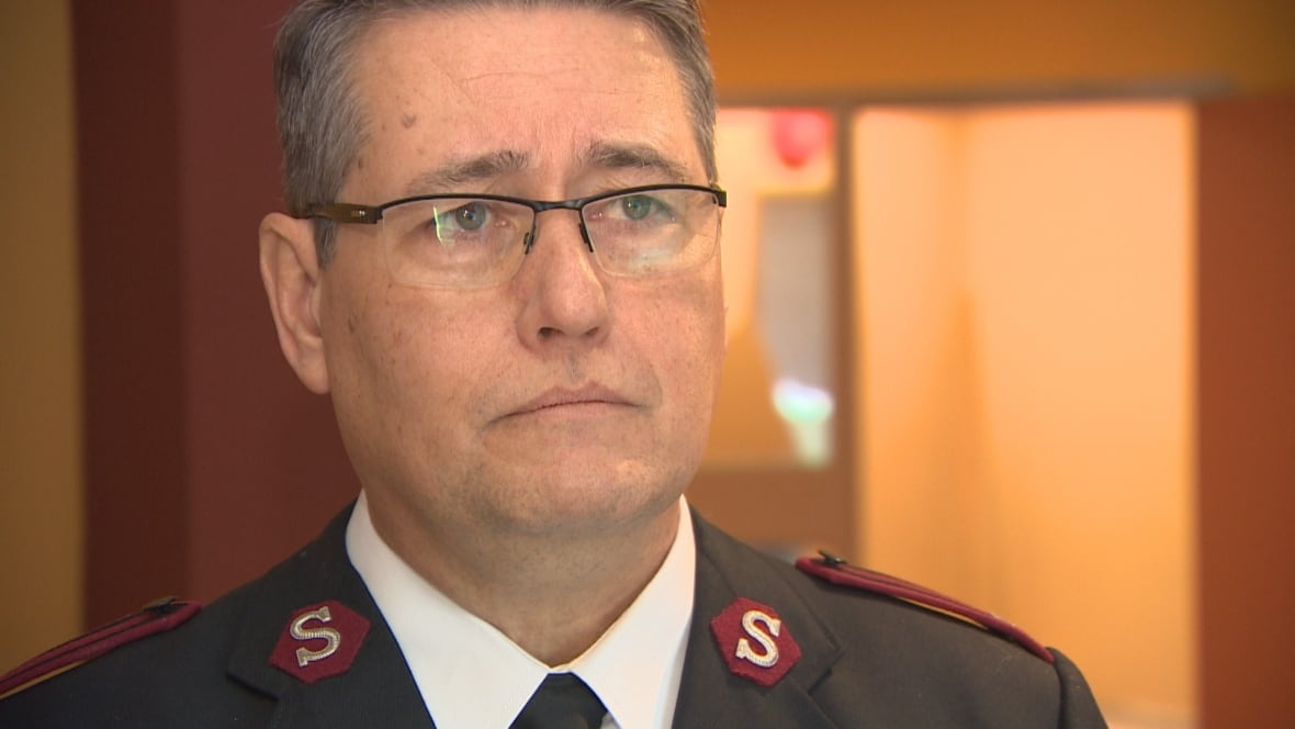 Group says 500 openly gay soldiers in army