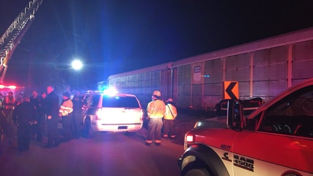 2 dead, almost  100 injured in Amtrak train crash