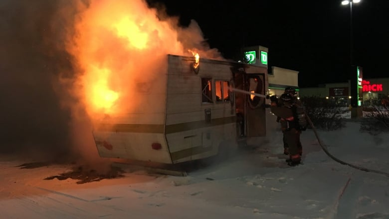 Pleasant Motorhome Parked At Saskatoon Walmart Engulfed In Flames Andrewgaddart Wooden Chair Designs For Living Room Andrewgaddartcom