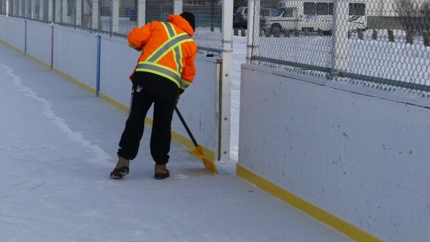 Victoria Park's outdoor rink, and rinks throughout Regina used by an outdoor hockey league, will be maintained by the city into March.