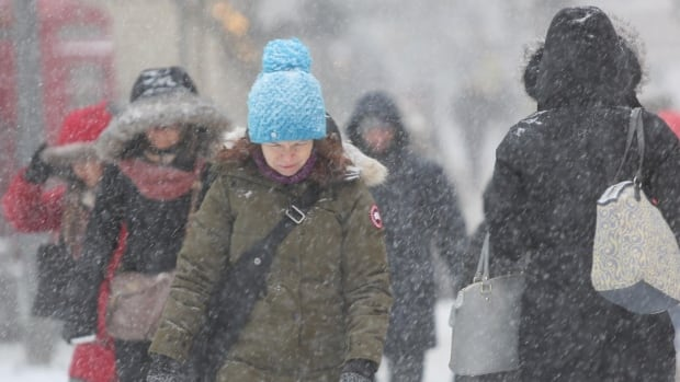 Drivers face slippery morning commute as snow hits GTA
