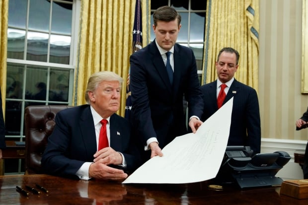 Trump Aide Resigns