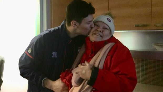 Nathalie Gabriel made a pair of custom Montreal Canadiens-themed snowshoes for Carey Price while she was bored in the hospital.
