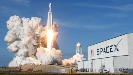 SPACE-SPACEX/HEAVY