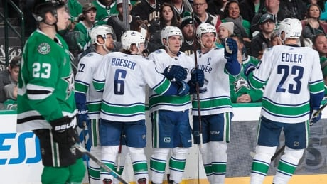Canucks Dominate Stars In Shutout Win