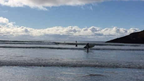 Tofino visitor dies on popular surfing beach