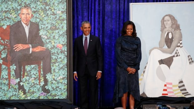 The official portraits of former U.S. president Barack Obama and former first lady Michelle Obama were unveiled at the Smithsonian's National Portrait Gallery in Washington on Monday.