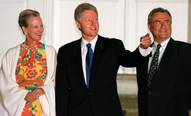 PRESIDENT CLINTON POSES WITH DANISH QUEEN MARGRETHE II