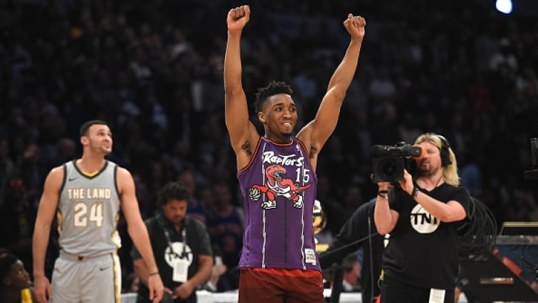 Jazz rookie Donovan Mitchell wins NBA Slam Dunk Contest | CBC Sports