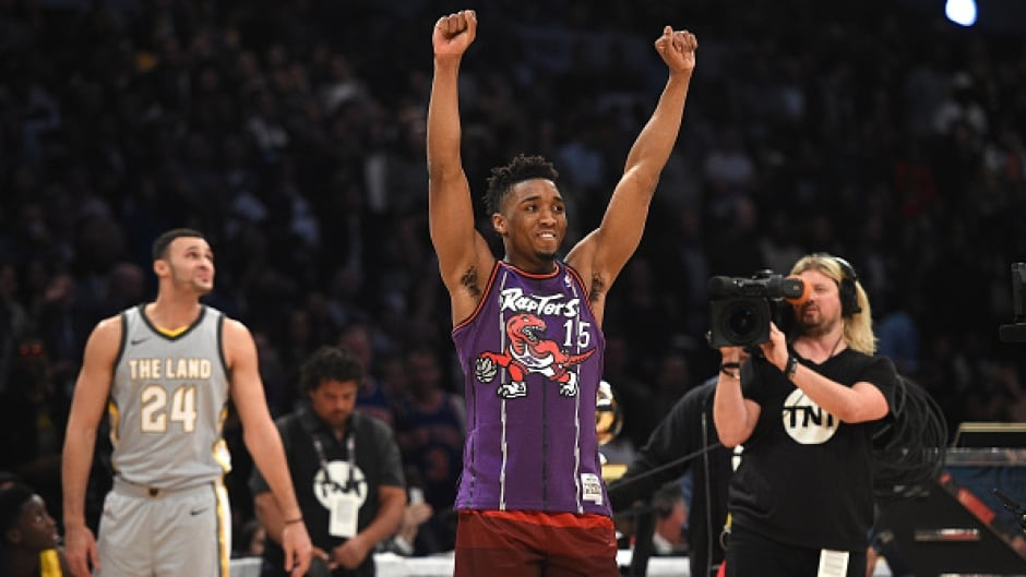 new products 4da79 4b81a Jazz rookie Donovan Mitchell wins NBA Slam Dunk Contest ...