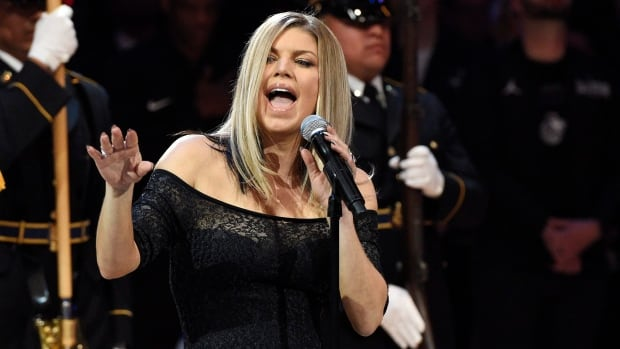 Twitterati slams Fergie's NBA All-Star anthem performance
