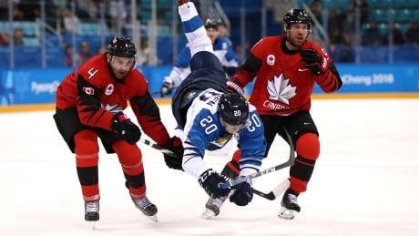 775095610ML00091_Ice_Hockey