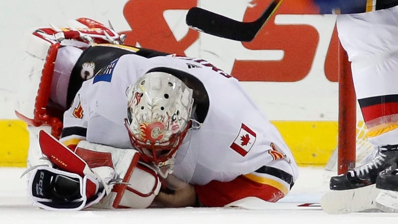 Flames Place Goaltender Mike Smith On Injured Reserve Cbc Sports