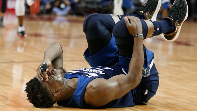 Timberwolves lose all-star Jimmy Butler to knee injury | CBC