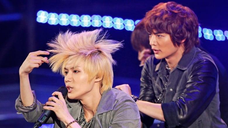 K-pop idol group SHINee performs in Seoul in this 2011 file photo. Group  members are often seen wearing eye makeup. (Jo Yong-Hak Reuters) 05b3ede36ec6