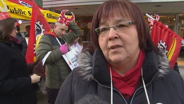 Demonstrators see 'glimmer of hope' after Liberals vow to replace pay system