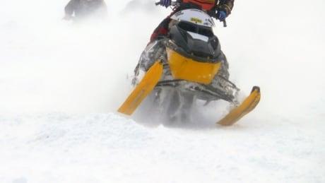 ski doo snowmobile