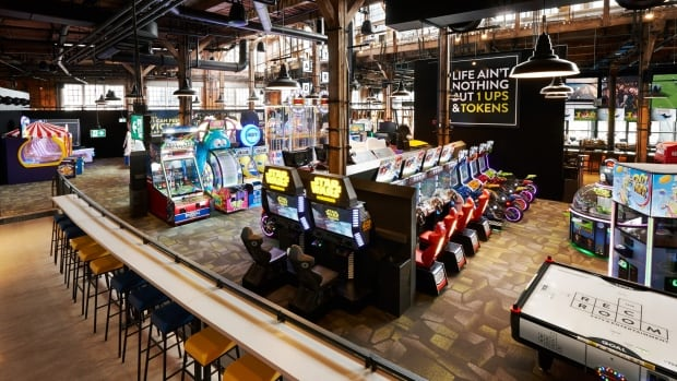 The Rec Room In Avalon Mall Promising Games Drinks And A
