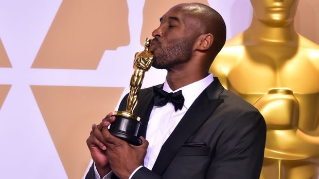 Kobe Bryant continues winning ways with Oscars victory