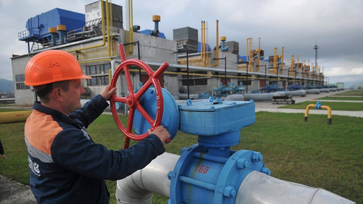 Natural gas standoff between Russia and Ukraine leaves Europe on edge