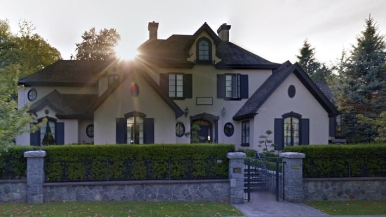 Buyer misled about mansion's bloody history, judge rules