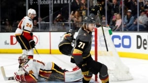 Flames slip in playoff race as Mike Smith's struggles continue