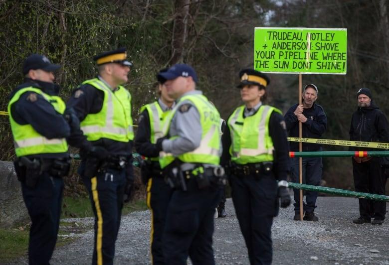 Alberta pipeline bottleneck pressure builds | CBC News