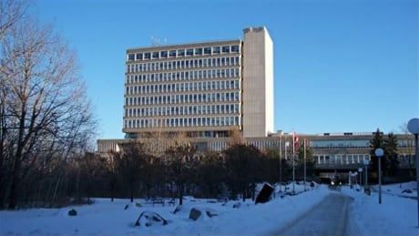 Lack of full-time professors in Ontario universities? Laurentian University responds to poll results thumbnail