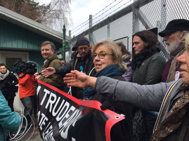 Green Party Leader Elizabeth May arrested at anti-pipeline protest in Burnaby