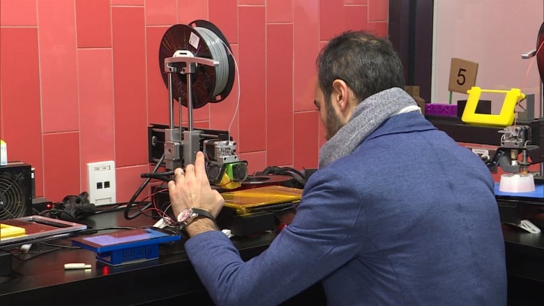 Film Student Soha Zandi Used A D Printer In The Library To Print A Part For His Camera Equipment Cbc