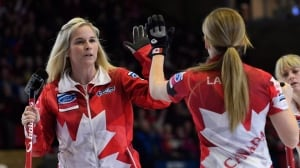 Canada's Jennifer Jones edges U.S. to earn shot at world championship title