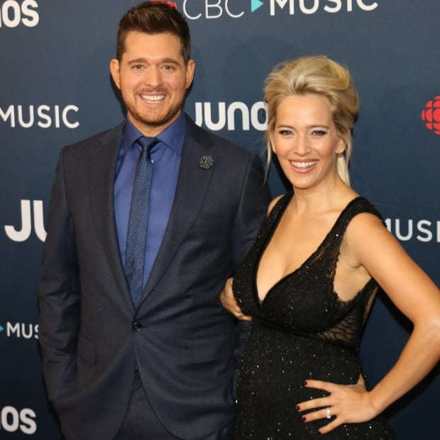 Buble with wife Luisana Lopilato