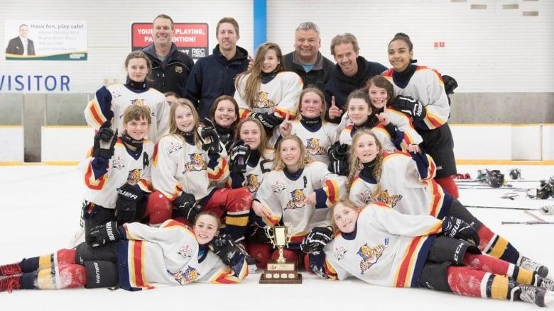 I M Super Proud Of Them Regina Girls Hockey Team Wins Co Ed