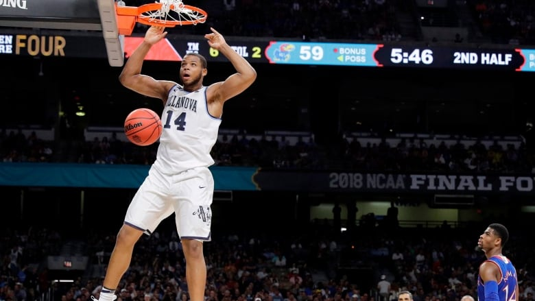 502062bc24e3 The Villanova Wildcats crushed the Kansas Jayhawks 95-79 to advance to  their second national championship game in three years. (David J.  Phillip Associated ...