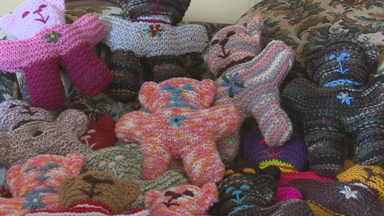 Island Woman Knits Teddy Bears For Kids Visiting The Hospital Cbc News
