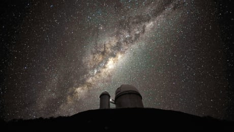 Galactic centre and bulge above the ESO 3.6-metre telescope