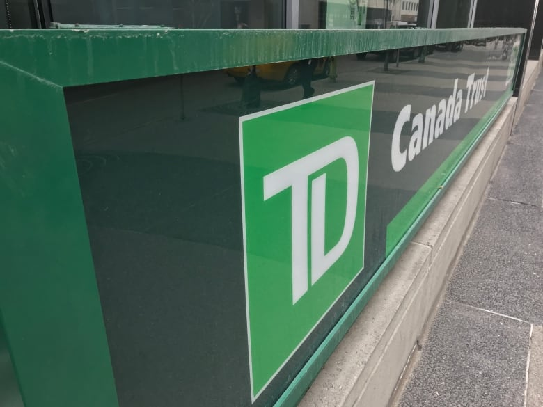 TD Bank must pay Montrealer $76K after closing his accounts with no