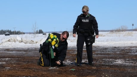 RCMP lay flowers for victims of Humboldt crash