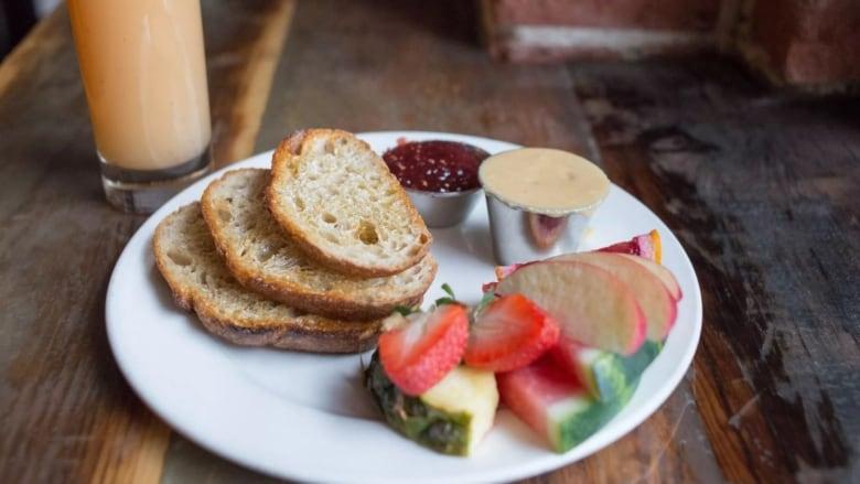 The Challah Bread Is One Of Restaurants Signature Jewish Inspired Additions To Its Menu Rooster Cafe And Kitchen