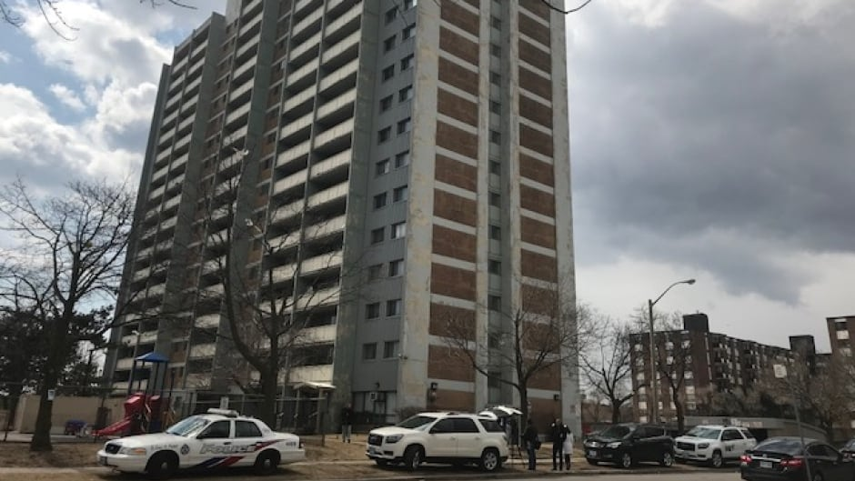 2 women charged after girl vanishes from Toronto apartment