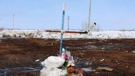 Hockey crosses Humboldt crash scene memorial