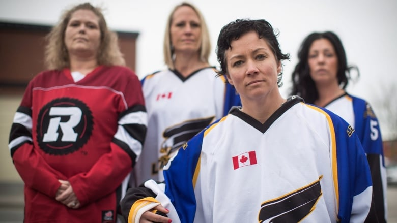 Canadians don hockey jerseys in show of solidarity with Humboldt ... 3bb13636f54